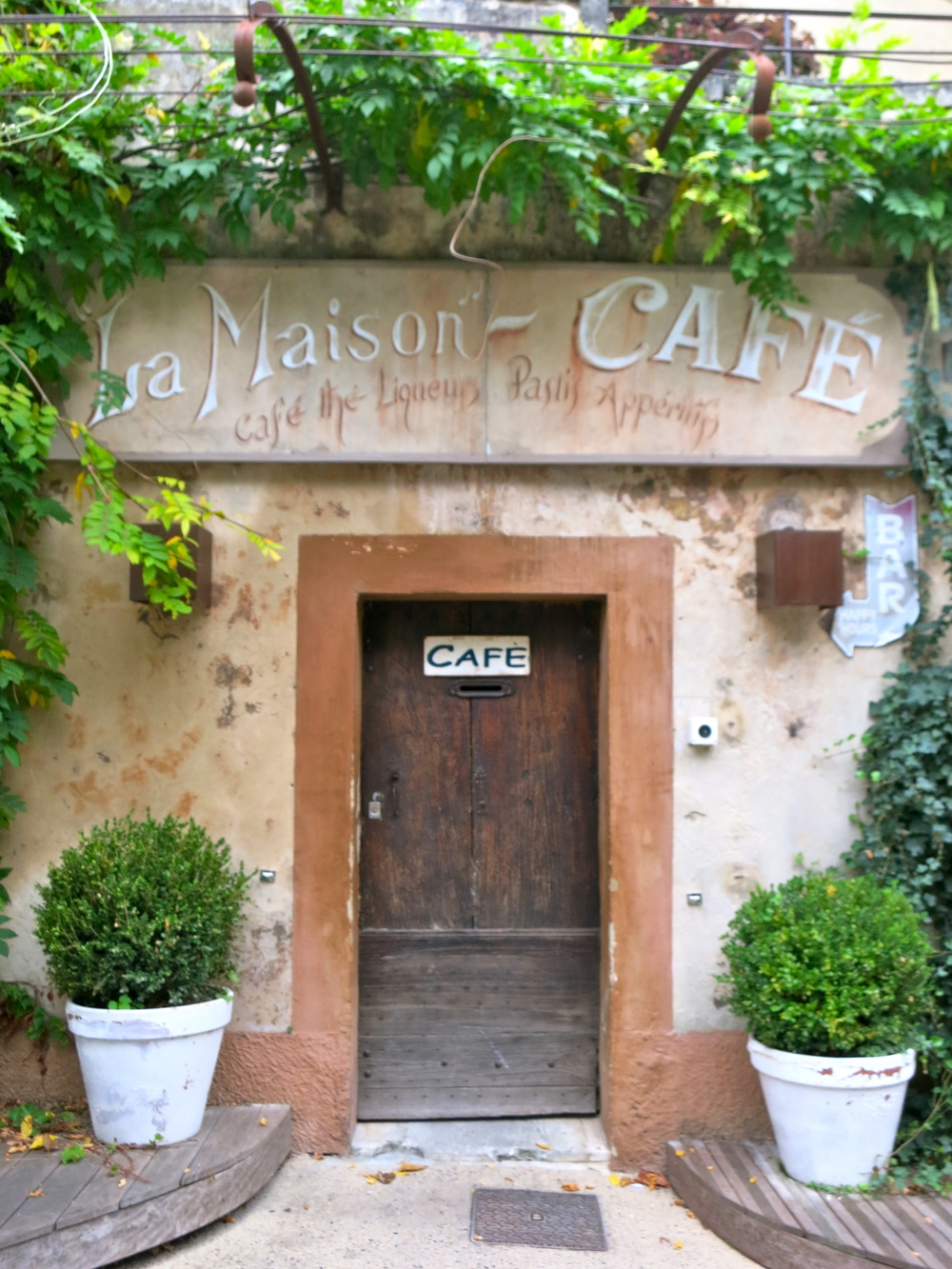 I found the most charming part of Lourmarin to be the doors. © 2014 Gail Jessen