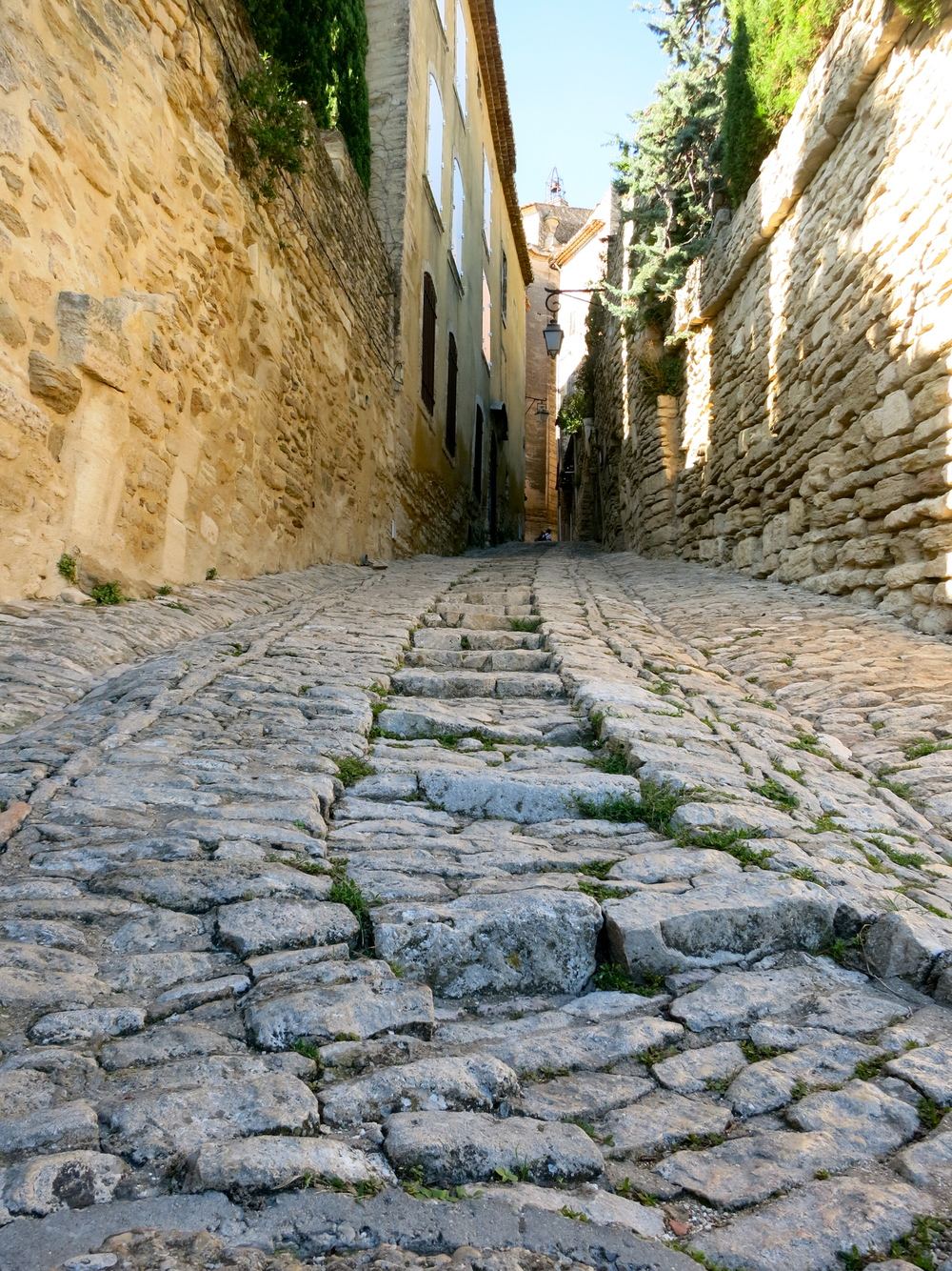 Thankfully at least one medieval engineer thought to put steps in their hilly streets. © 2014 Gail Jessen