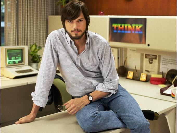 Ashton Kutcher as Steve Jobs in jOBS 02