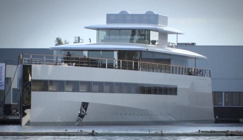 Steve Jobs' Yacht 01
