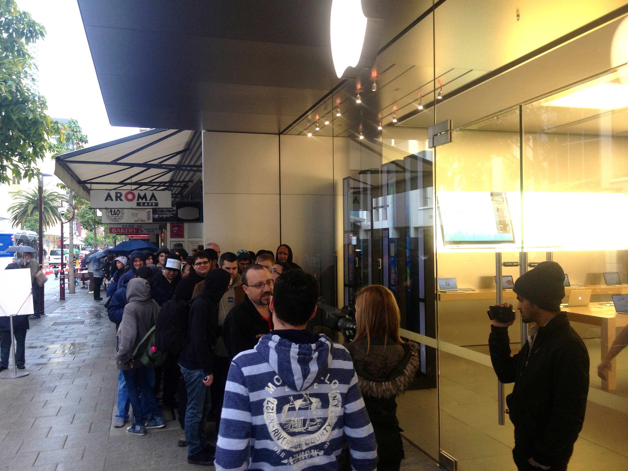 iPhone Launch outside Apple Store Perth