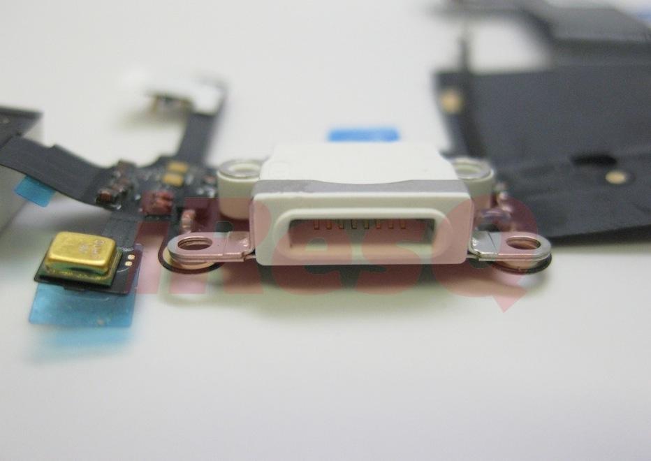 iPhone and iPad Mini Dock Connectors 03