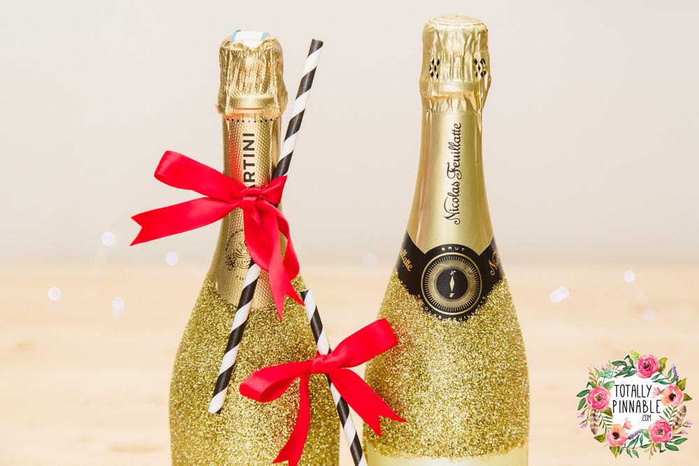 www.totallypinnable.com DIY Glitter Champagne Bottles