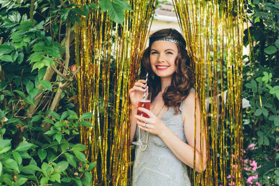 Totallypinnable.com Harriet Cochrane Gatsby Party! Hand making eco friendly, biodegradable confetti perfect for your wedding!