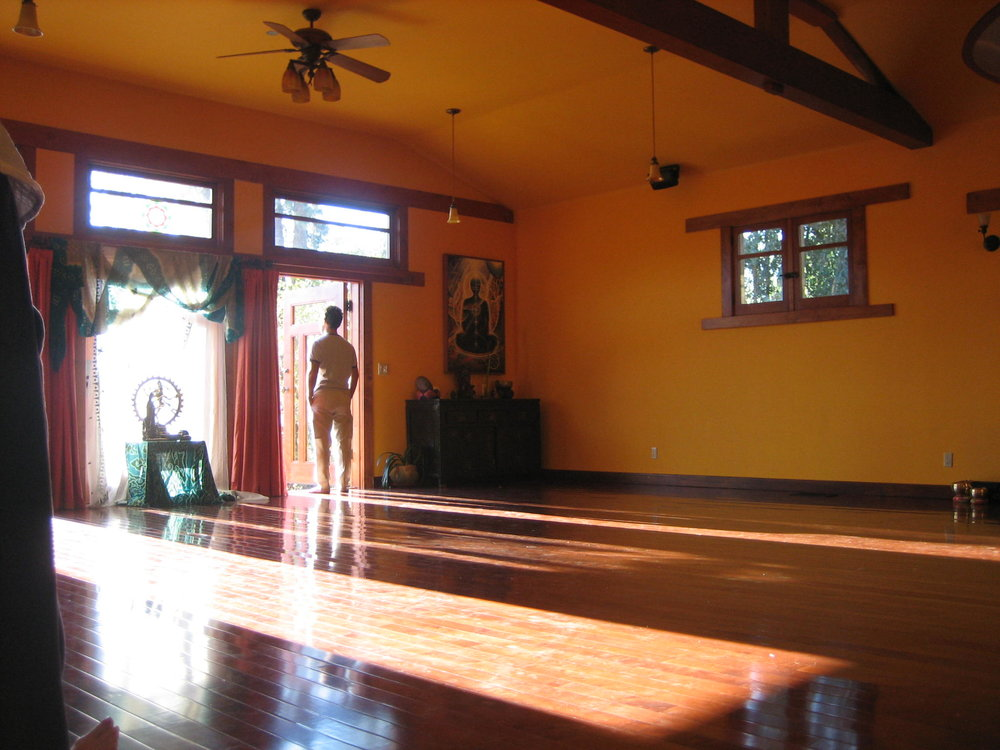 Dream Sanctuary for the Soul Dance Retreat: Eva receiving Tibet bowl vibrations – Me looking out at the beauty of our sacred place – Another kindred spirit in the room