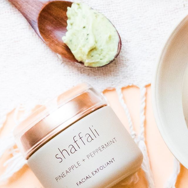 Aromatherapeutic Beauty - Our new glass packaging preserves our signature aromatherapy blends including lavender, geranium, peppermint, sage, neroli, and sandalwood so every time you open a bottle or jar your bathroom smells like a spa. . . . . . .   #shaffali #shaffaliskincare #ayurveda #aromatherapy #ritual #organic #cleanbeauty #beautiful #skincare #essentialoils #yoga #meditation #healing #selfcare #selflove #lavender #geranium #peppermint #pineapple #exfoliant #sage #sandalwood #neroli #spa #skin #facial #shaffalibeauty #vegan #veganbeauty #consciousbeauty