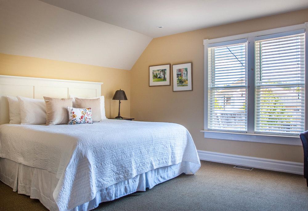 interior suite bedroom alt-.jpg