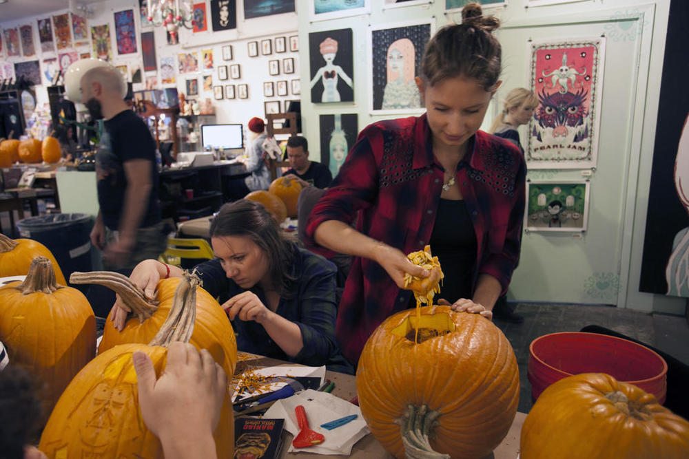 4f070120-5912-11e4-9fb6-71e3320c41da_maniac-pumpkin-carvers-workshop-0017.jpg