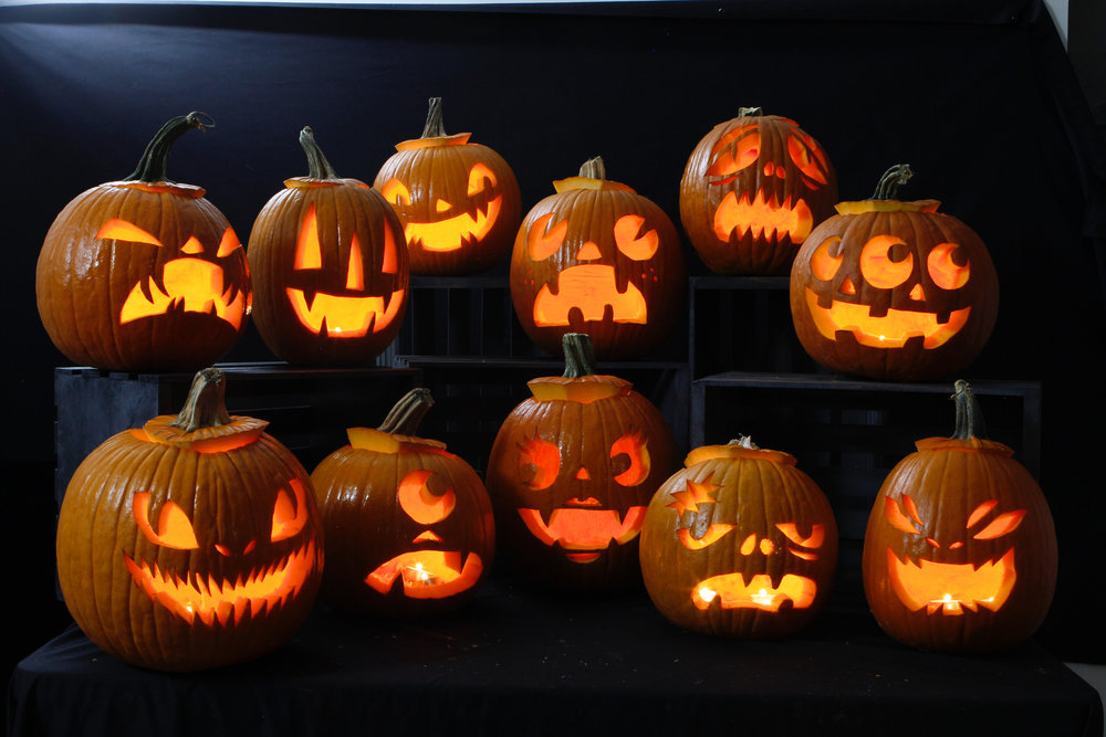 Maniac Pumpkin Carvers