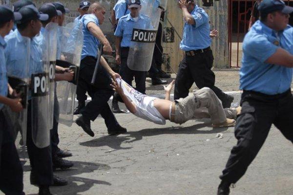 600x400_1371752113_detenidopolicia.jpg