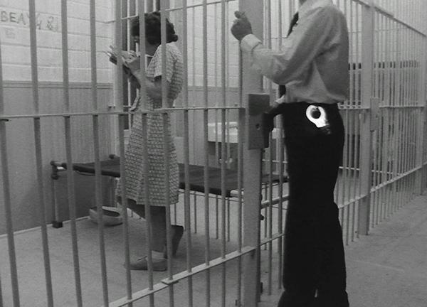 4_tony-conrad_women-in-prison_1982_still_3.jpg