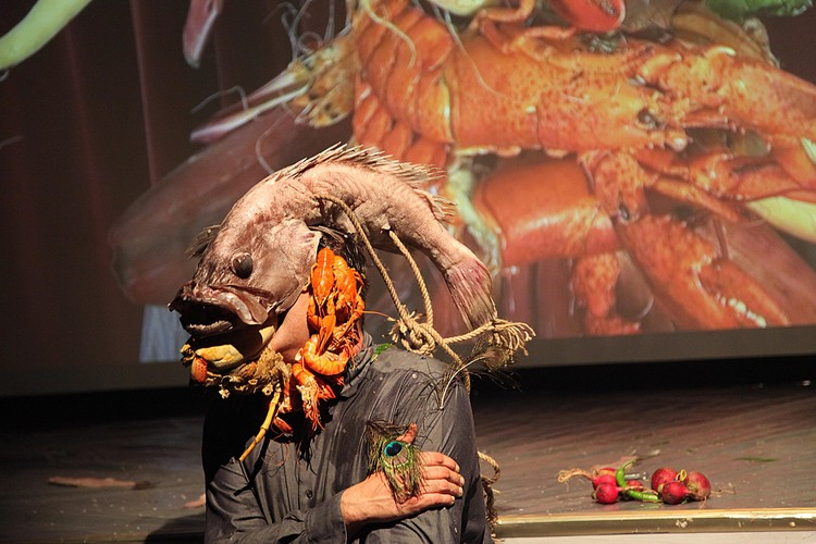 Filippos-Tsitsopoulos-performance-bashi-bazouk-The-empire-Gallery-Istanbul-2013.jpg