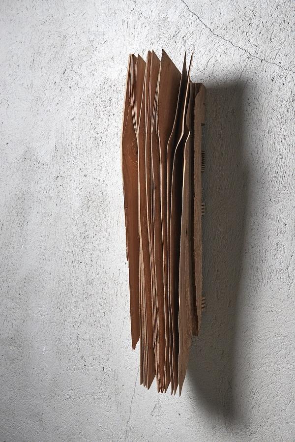 04_Herbert Golser, Aus Anderer Zeit Andere Zeit, 2013, pear wood, 20x20x80cm.jpg