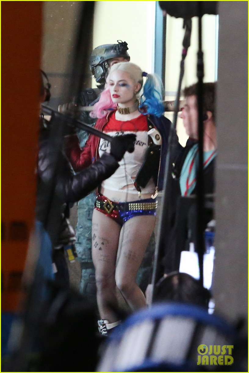 suicide-squad-cast-seen-in-costume-on-set-05.jpg