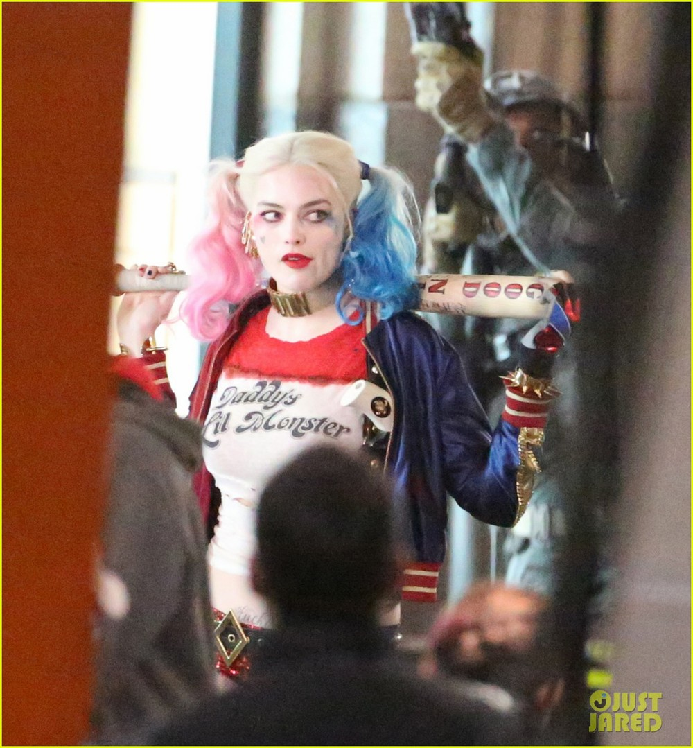 suicide-squad-cast-seen-in-costume-on-set-03.jpg