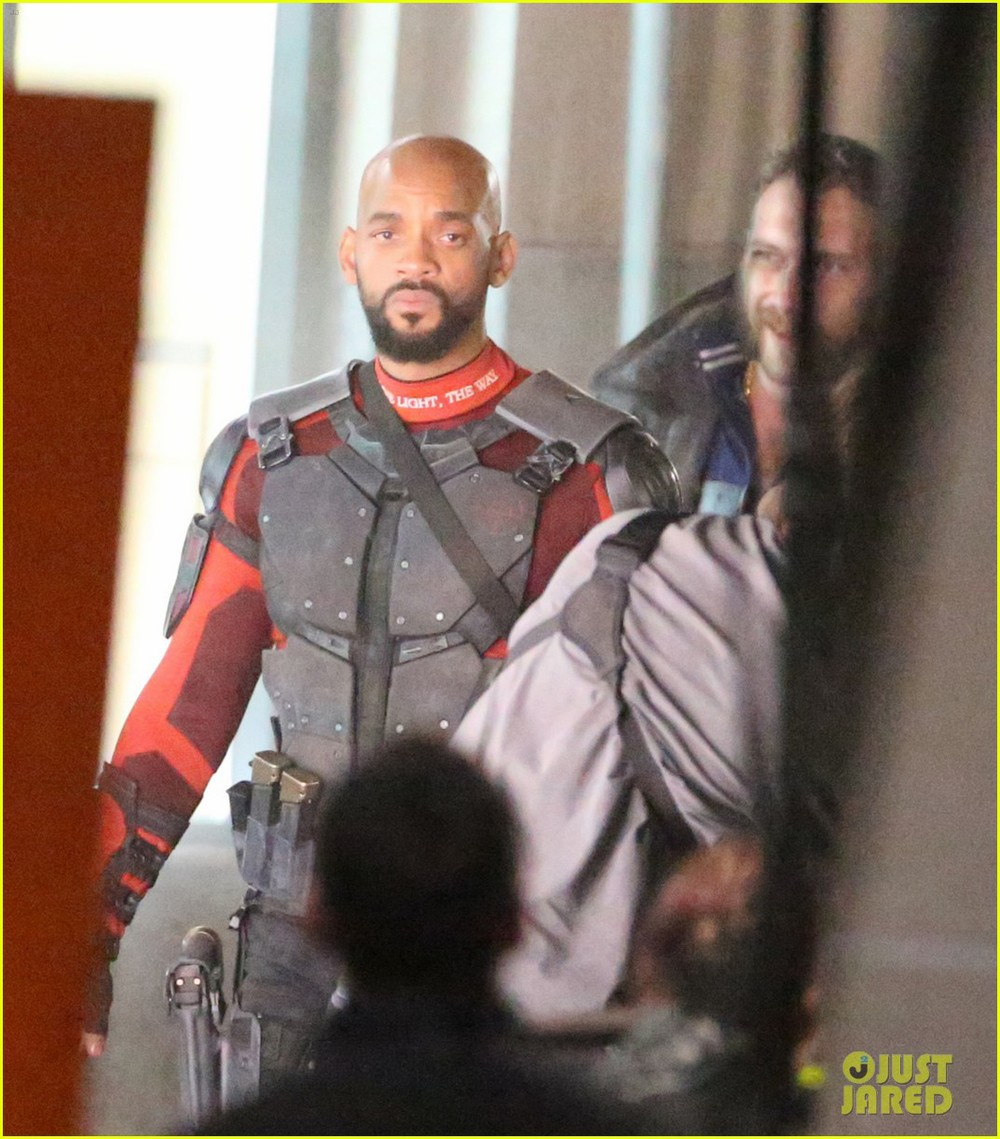 suicide-squad-cast-seen-in-costume-on-set-08.jpg