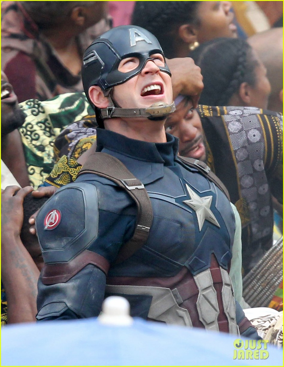 chris-evans-anthony-mackie-get-to-action-captain-america-civil-war-06.jpg