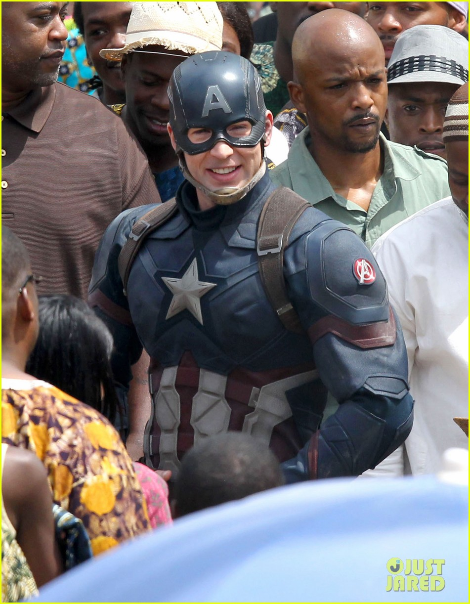 chris-evans-anthony-mackie-get-to-action-captain-america-civil-war-45.jpg