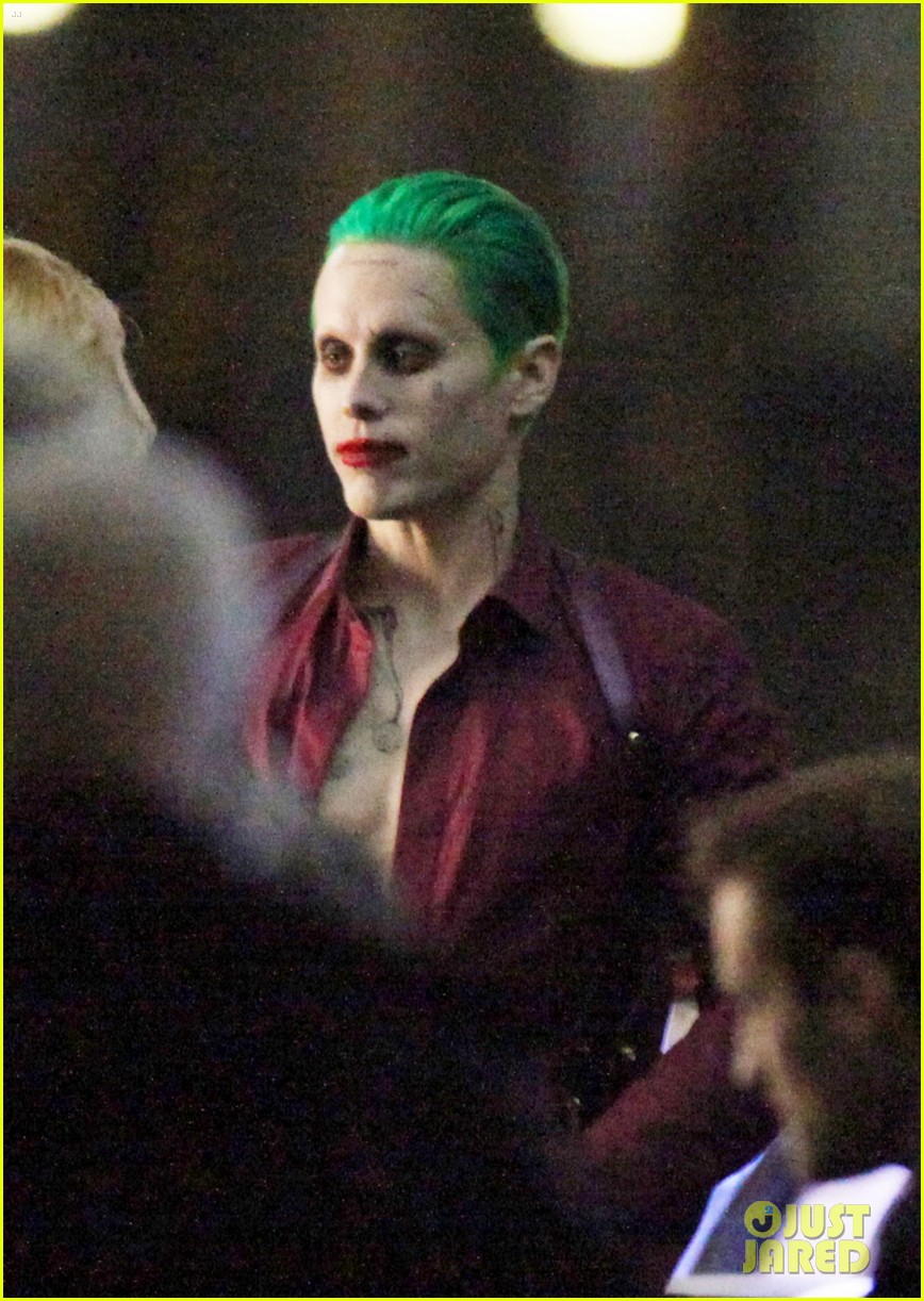 jared-leto-fights-kisses-margot-robbie-in-suicide-squad-04.jpg