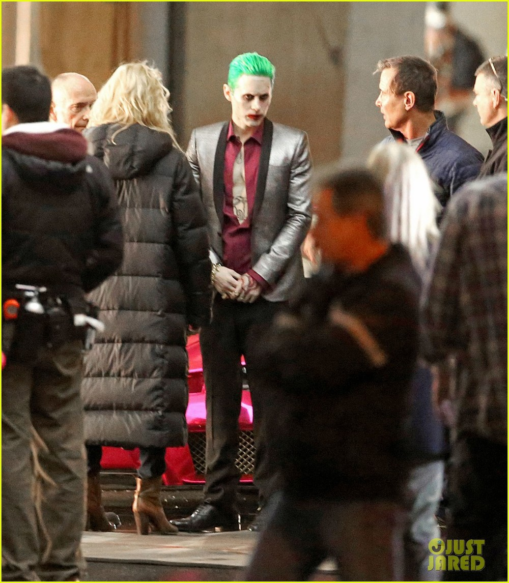 jared-leto-fights-kisses-margot-robbie-in-suicide-squad-05.jpg
