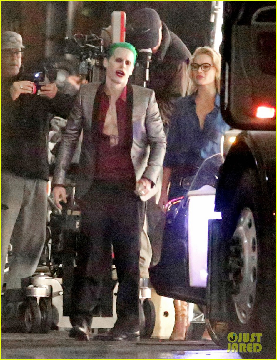 jared-leto-fights-kisses-margot-robbie-in-suicide-squad-15.jpg