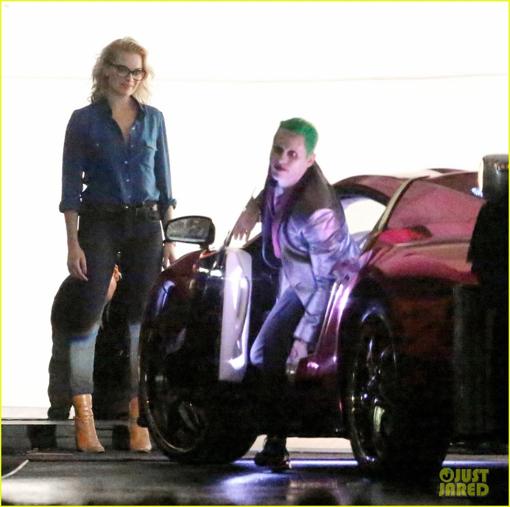 jared-leto-fights-kisses-margot-robbie-in-suicide-squad-17.jpg