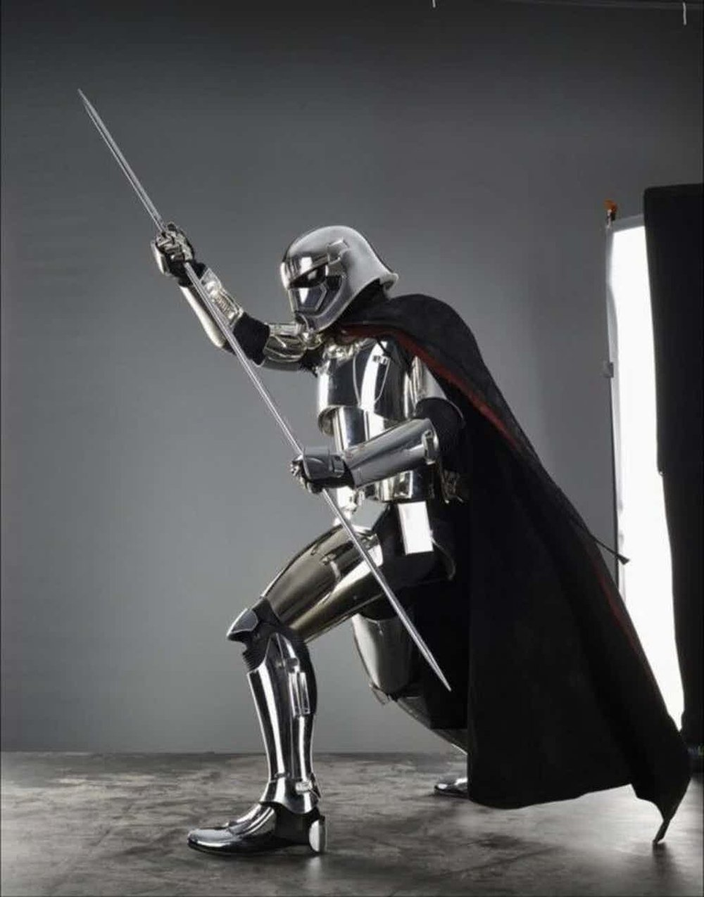Star-Wars-The-Last-Jedi-Phasma-Posing-With-Staff.jpg