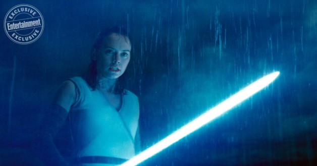 star-wars-ew-rey-lightsaber-e1511115075826.jpg