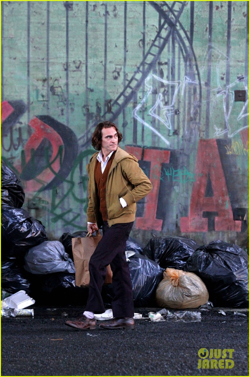 joaquin-phoenix-the-joker-movie-09.jpg