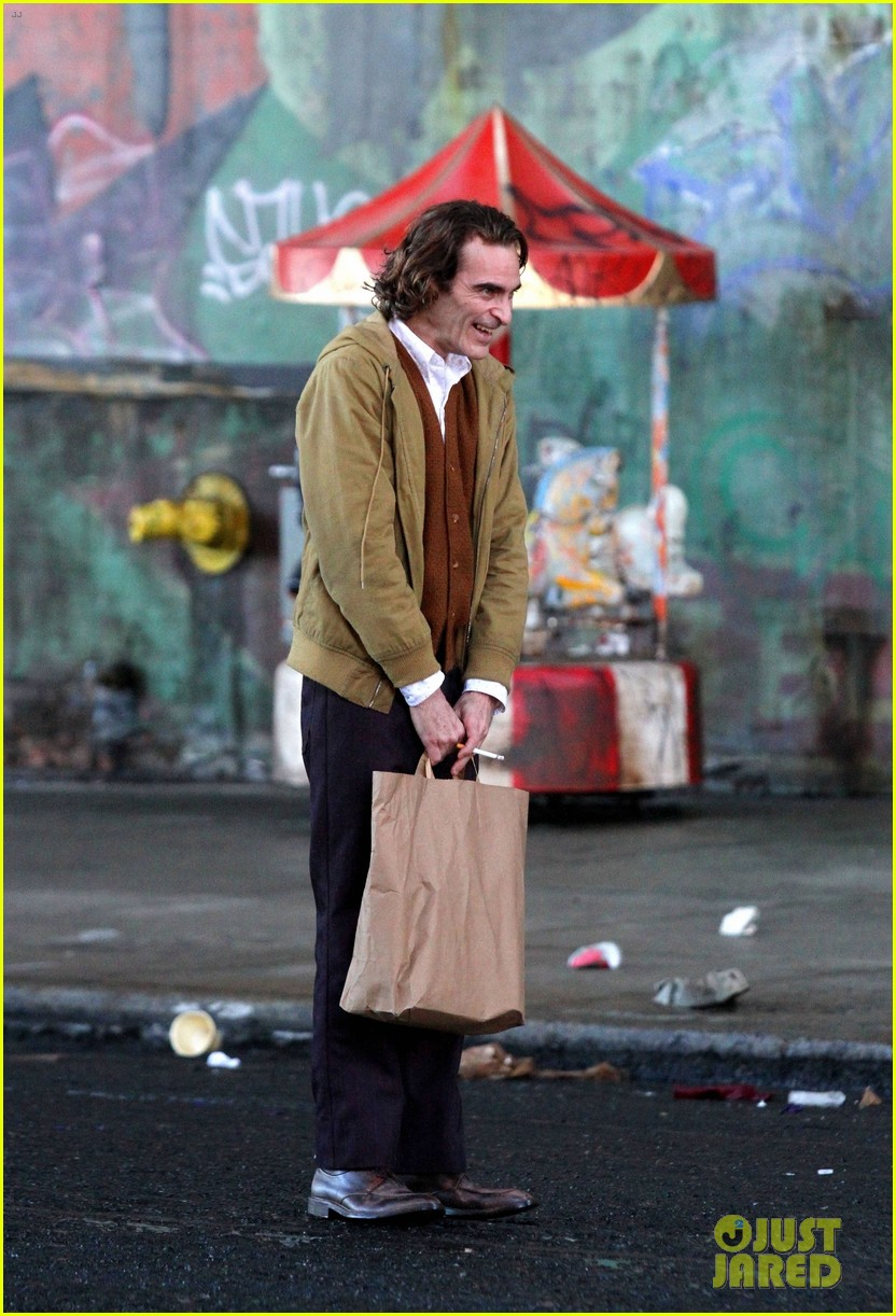 joaquin-phoenix-the-joker-movie-13.jpg