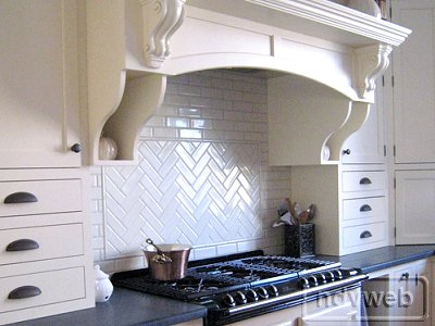 herringbone detail in backsplash - ndvweb2