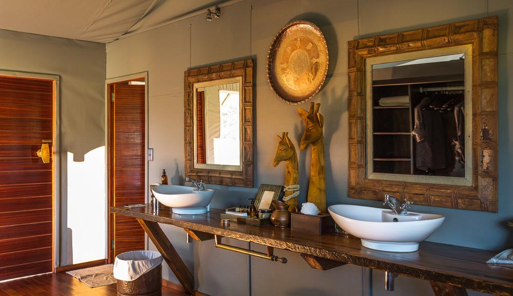 botswana bathroom - 20120404_africa_313-1