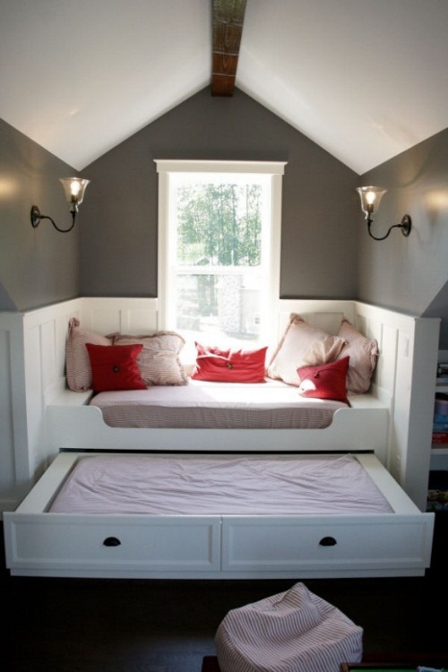 small space guest rooms