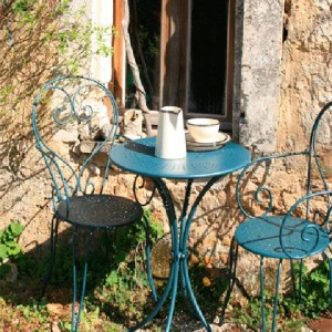 804 - garden-furniture-french-house