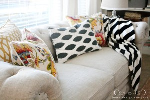 linen-sofa-with-colorful-pillows