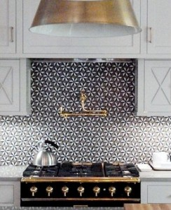 flower-tiled-backsplash
