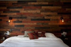 wood-plank-wall-diy-13