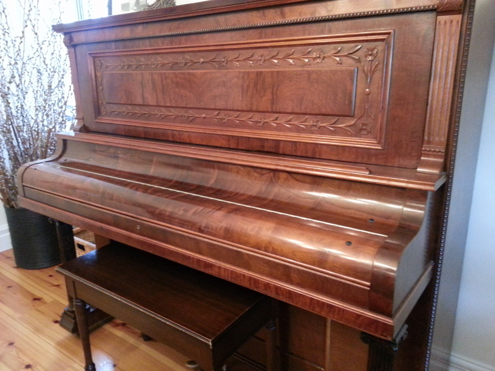 got a piano that no one uses that you just don't love any more? sell it and make space for something better! (this is mine and it's my resolution for 2015!)