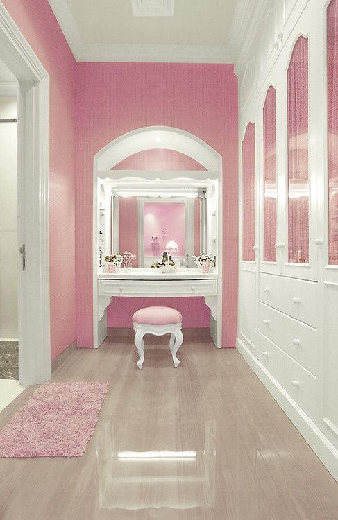12 - pink dressing room.jpg