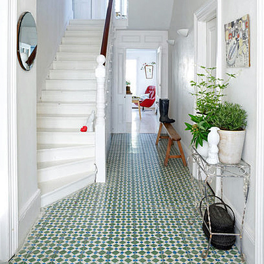 busy floor tile in foyer.jpg