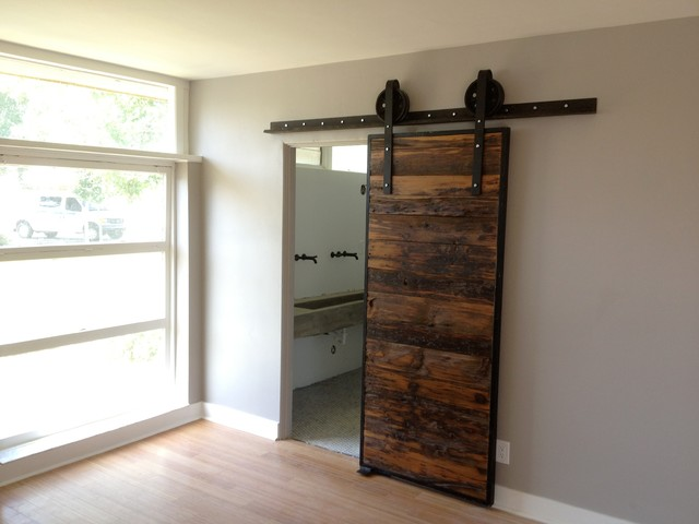 The barn door trendy or here to stay toronto designers for Narrow barn door