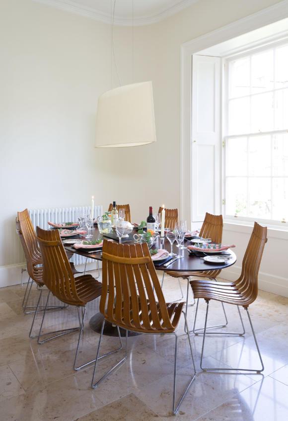 oval table 4.jpg