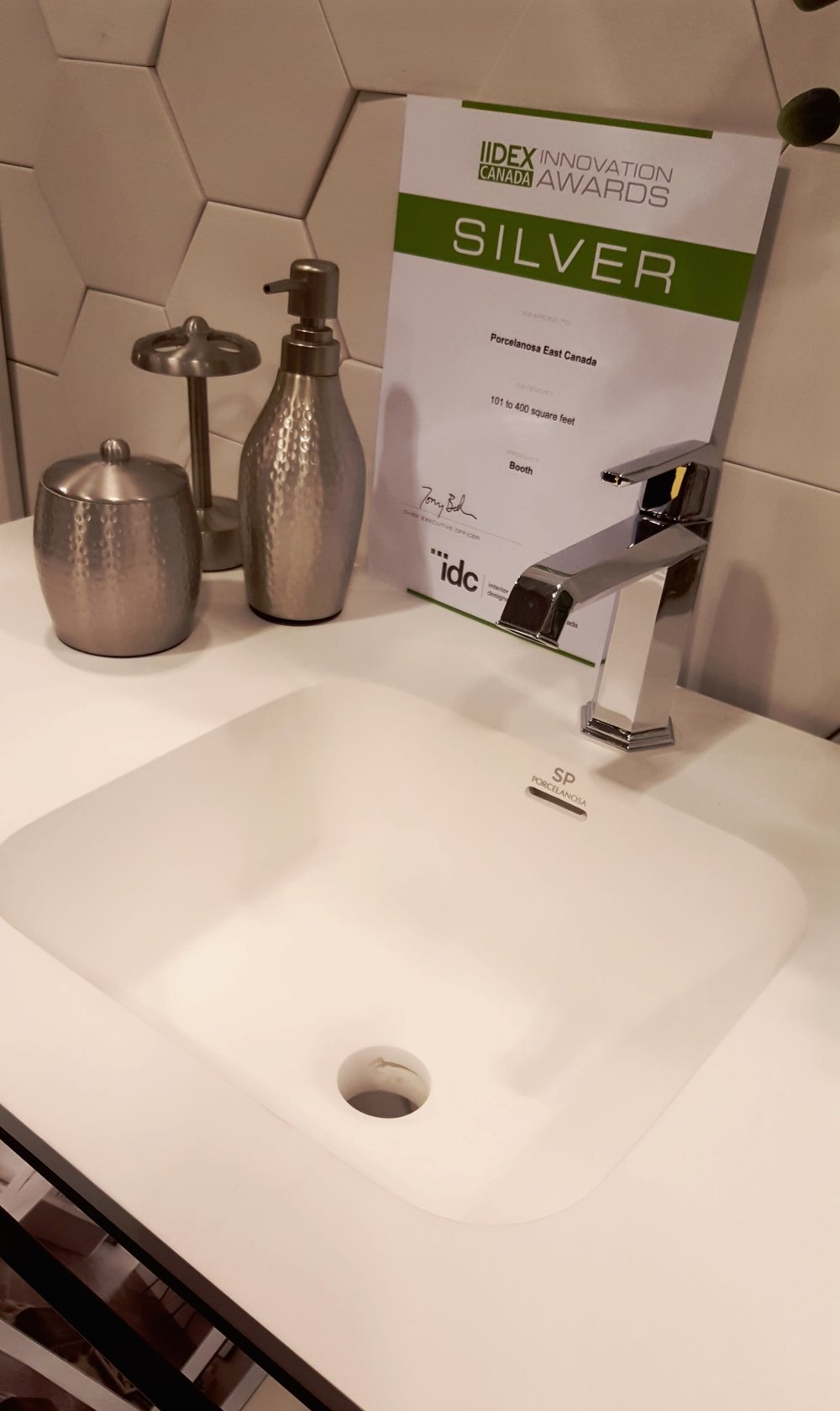 I love the matte finish on this sink. From Porcelanosa