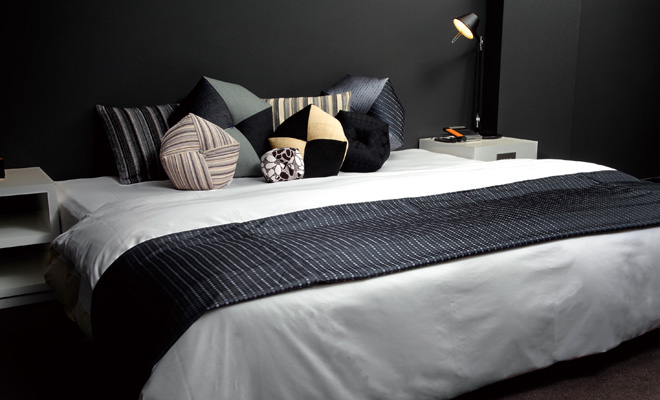 Takaokaya-Ojami-Cushion-Interior-Scene-6-Westernstyle-Bed-Throw-Pillows.jpg