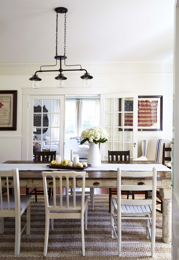 Casual-Dining-Room-Design-Mismatched-White-Painted-Chairs.jpg