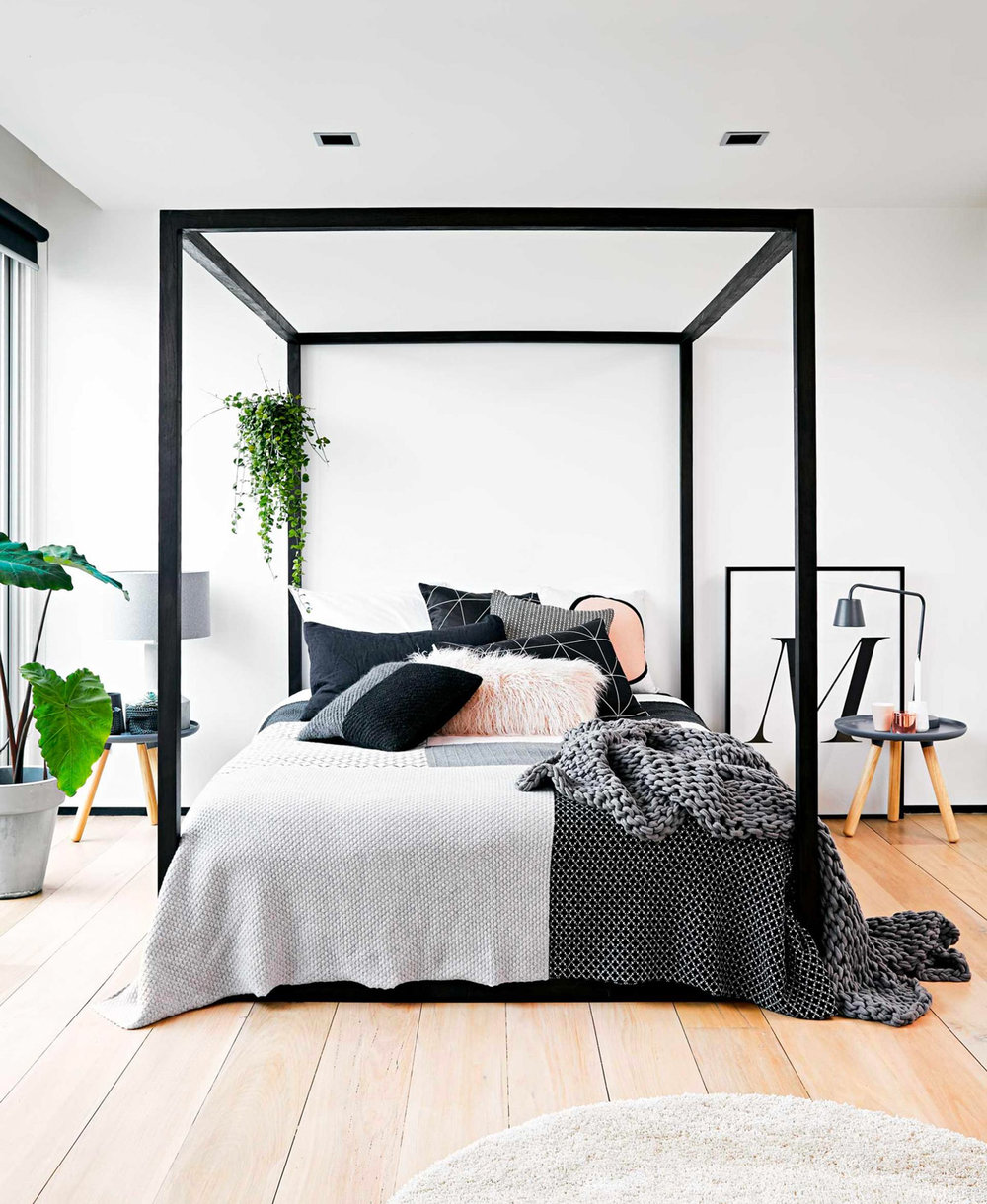 thick-frame-modern-four-poster-bed.jpg