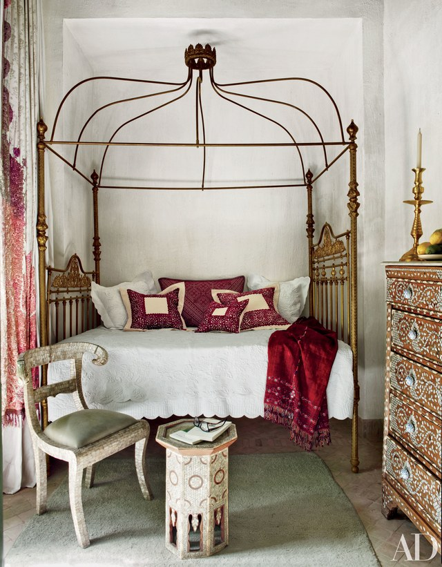 four-poster-beds-03.jpg