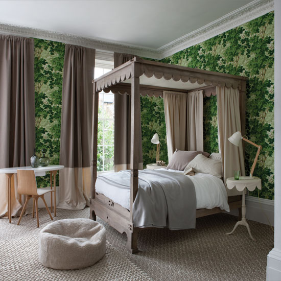 Forest-green-bedroom-with-four-poster-bed.jpg
