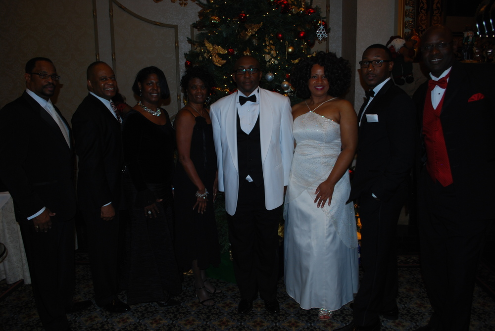 "UEBSC Executives with members of BIG Region XI Chapters @ their ""Night of Elegance"" Holiday Awards Gala. Dec. 2015 - Washington, DC."