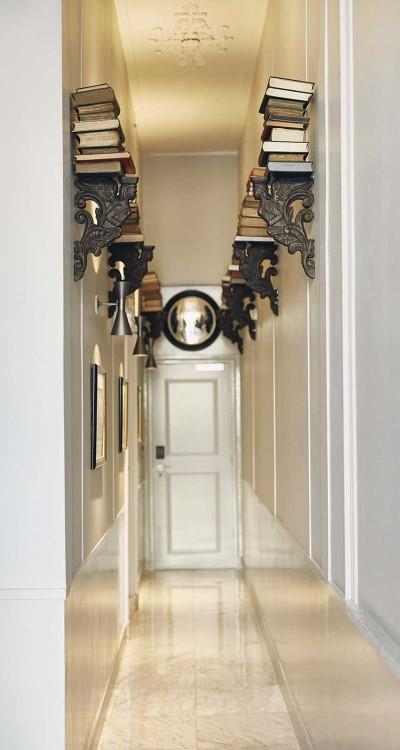 Suites-Book-Collectors-Hallway-400x750.jpeg